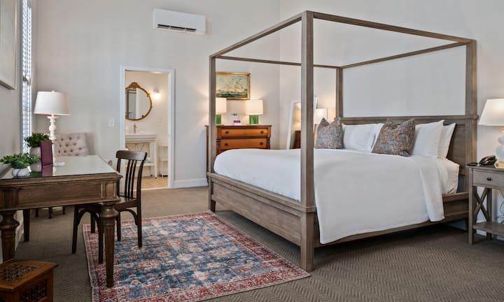 Briar Barn Inn, Grand King Suite