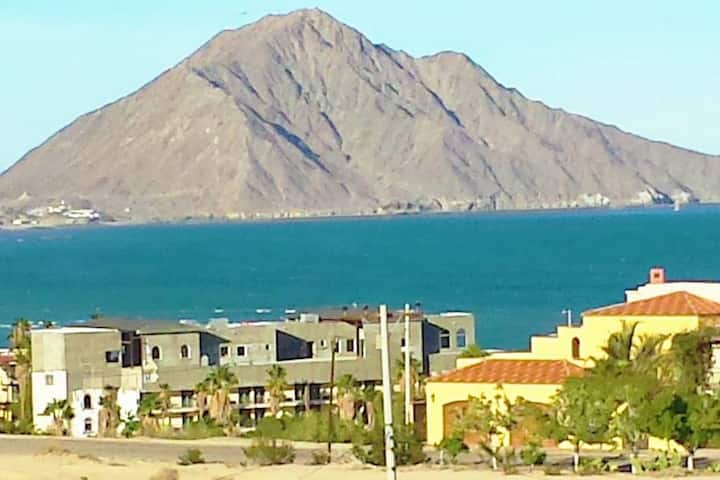 GORGEOUS SEA & MOUNTAIN VIEW NEAR TOWN!  CONDO 304