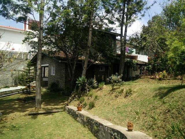 Cosy home with a sunny garden - Kodaikanal - Dům