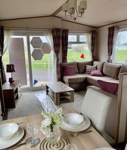 Lovely 2 Bedroom Caravan Turnberry