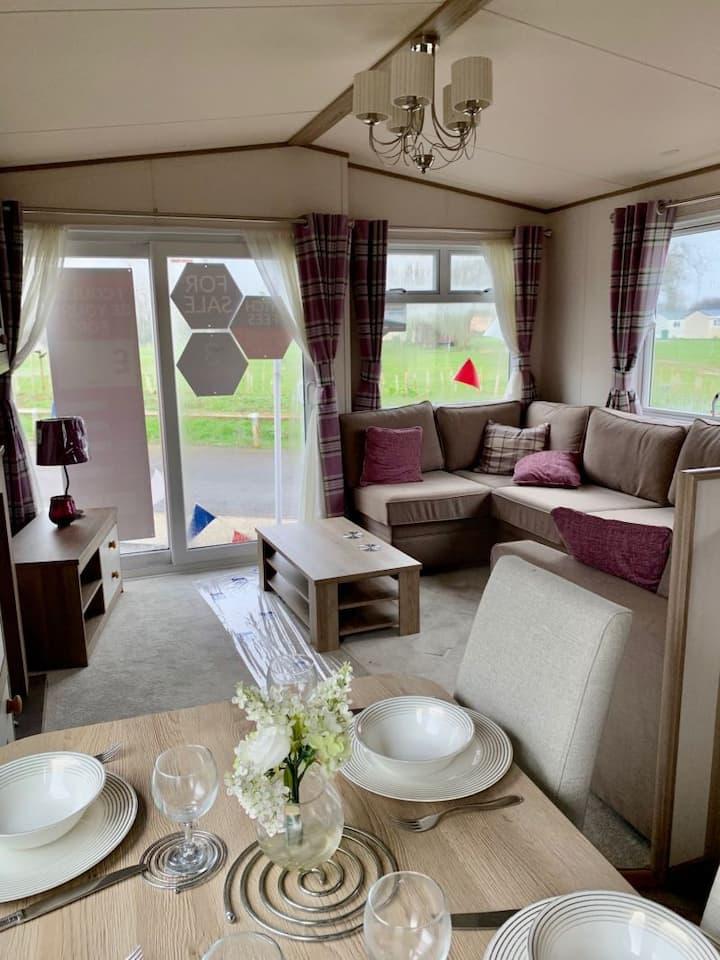 Lovely 2 Bedroom Caravan Turnberry