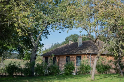 """Lodge Cottage """"In the Wild"""", Ecouves Zoo"""
