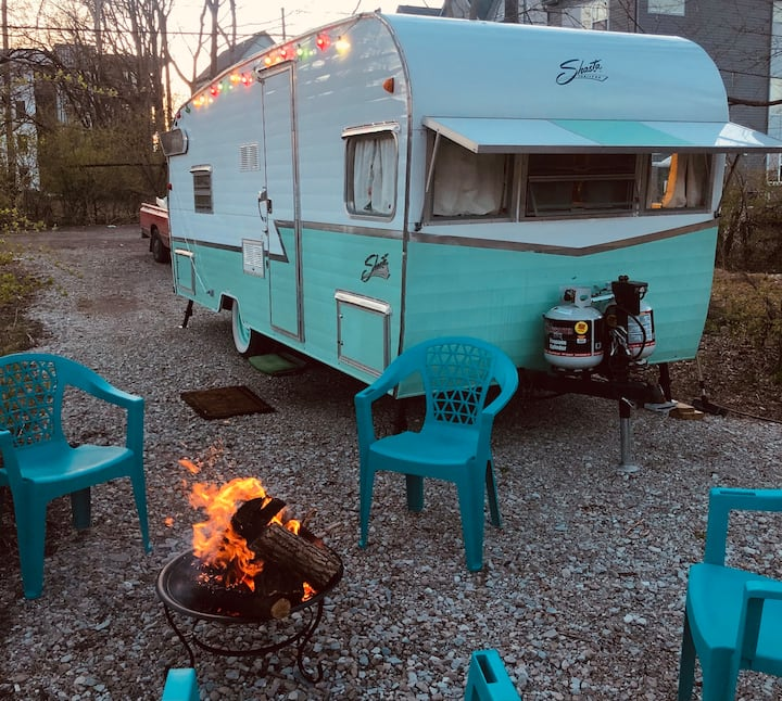 *Downtown Glamping, Retro Shasta Camper!*