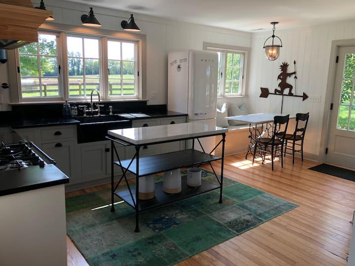Guest Cottage on Historic Estate & Cattle Farm