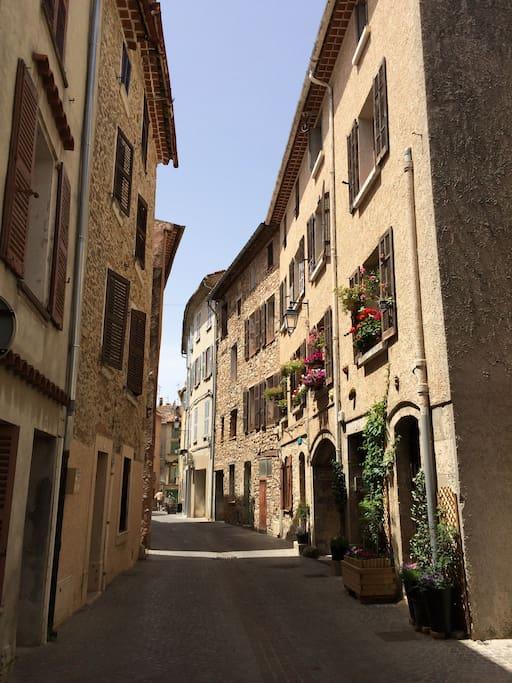 Rue des quatre coins, our street