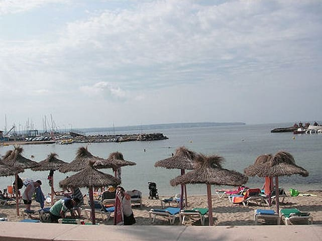 Jättefin lägenhet, utsikt o strand