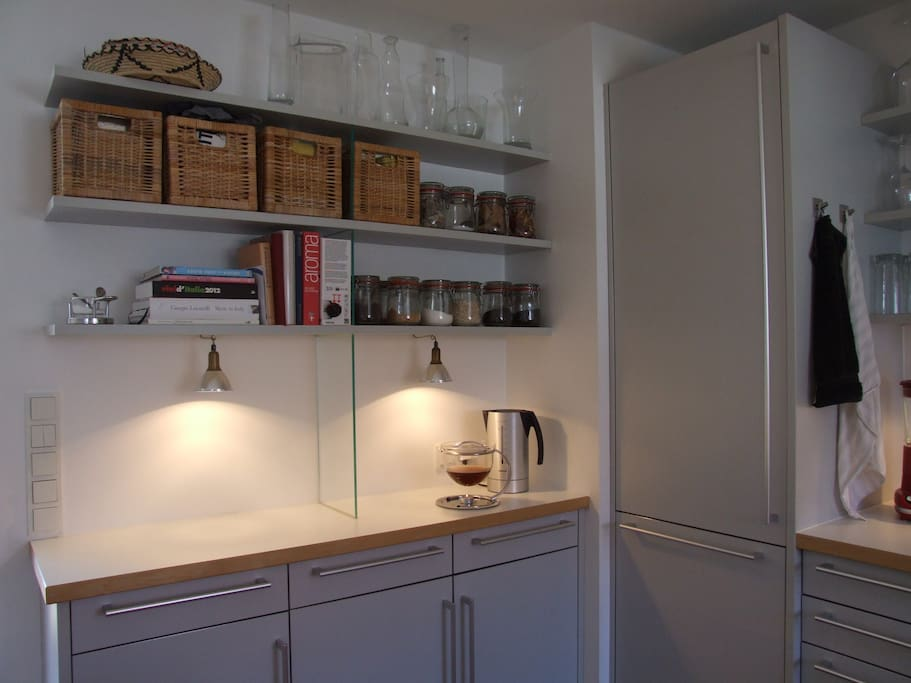 Die offene Bulthaup-Küche ist mit allem ausgestattet, was das Gourmet-Herz begehrt.