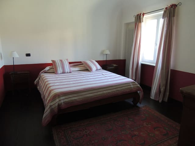 red bedroom in a country house - Novi Ligure