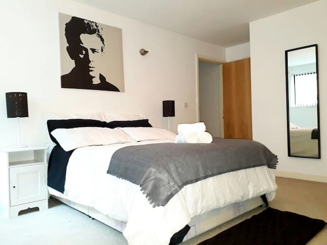 City Centre Confort Private Ensuite near Deansgate - Manchester - Apartamento