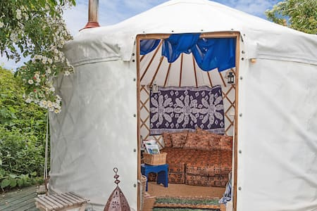 Bliss Yurt for Two - Glastonbury