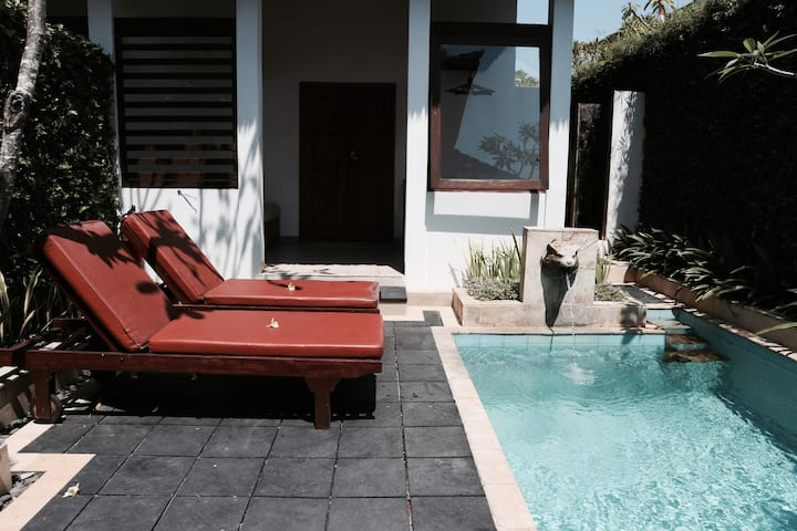 Traditional Villa with Private Pool in Legian Bali