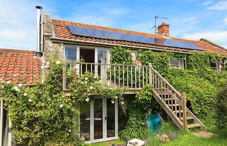 Bliss Cottage Double Balcony  room - Glastonbury