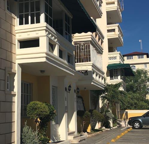 Apartamento con vista al mar en el Malecon