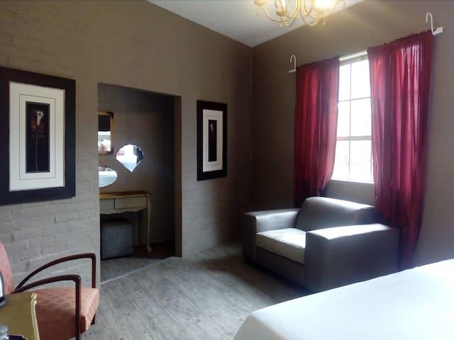 TeaterHuis Luxury King Room