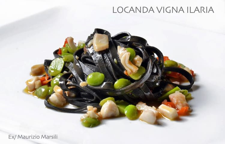 La Locanda è un ristorante con B&B - Lucca - Bed & Breakfast