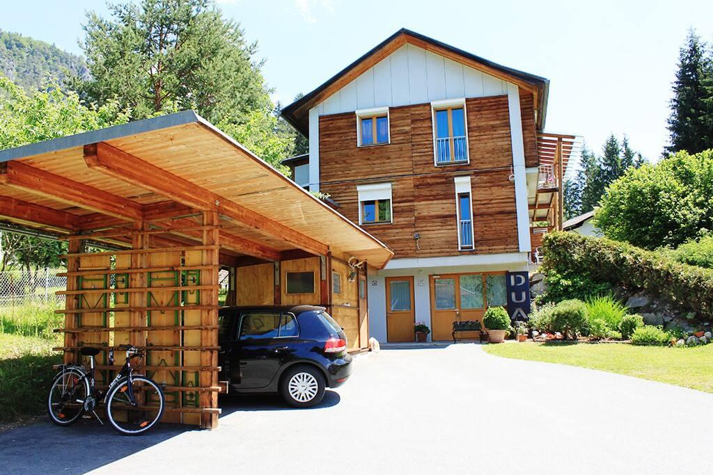 Dualhaus -Carport