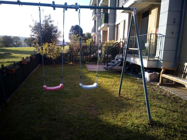 bajo con jardin y piscina - San Miguel de Meruelo - Apartamento