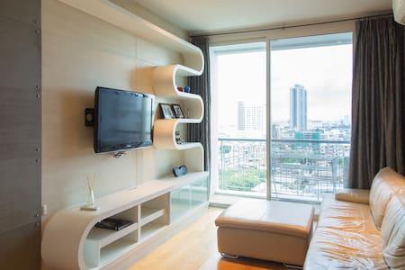 1 BR condominium center BKK +WiFi - Μπανγκόκ