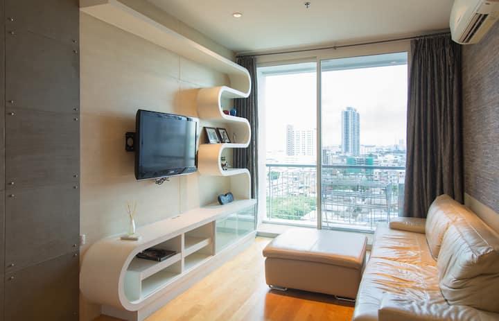 1 BR condominium center BKK +NETFLIX+55SQM