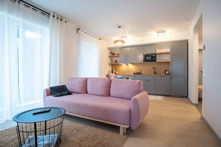 Brand New Apartment with Balcony & Free Parking