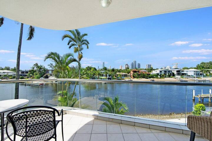 Arc Resort Stunning 3 Bedroom in Broadbeach