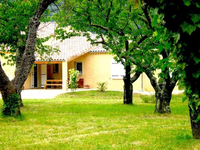 Villa Standing cadre préservé - Fons - วิลล่า