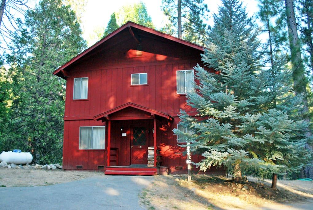 Camp chilnualna cabin 5 in yosemite national park for Cabins in yosemite