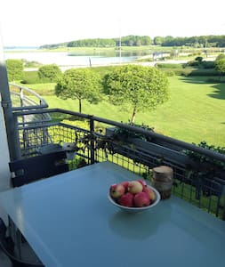 Sunterrace flat with sea view - Roskilde County