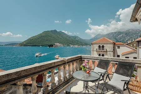 Renovated Old Stone House - Perast