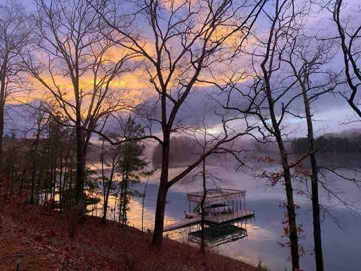 Artist Cottage on Lake Lanier