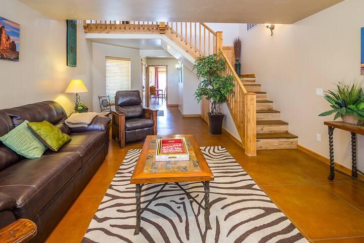 Southwest Elegance 2 Master Suites - Moab - House