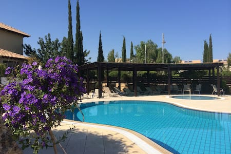3 bed Villa, fab view, next to pool