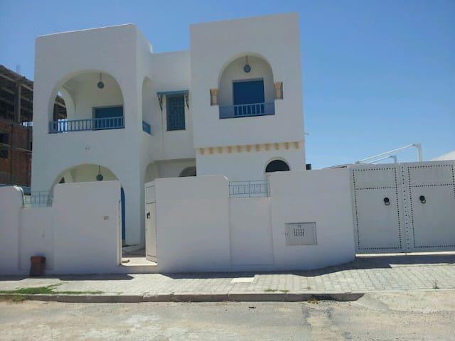 appartement zone touristique  - Mahdia - Byt