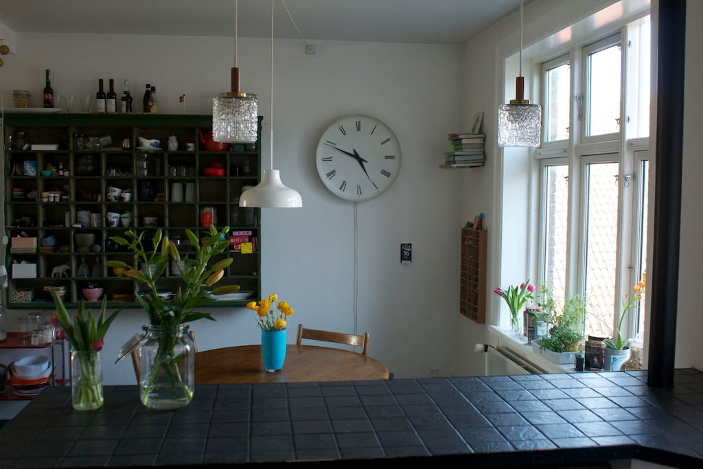 Nice kitchen for light preparations (coffee, tea, toast, etc.)