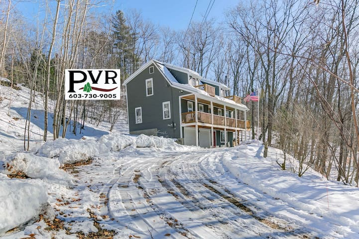 3BR Near Skiing & Snowmobiling w/ Large Deck, Game Room & Dogs Welcome too! - 15 Chocorua View Drive