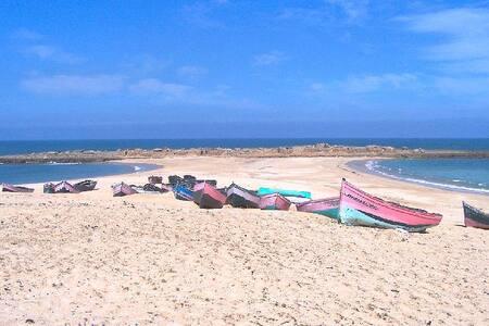 Grande Belle Villa à 10 m de plage  - Sidi El Abed - Huis