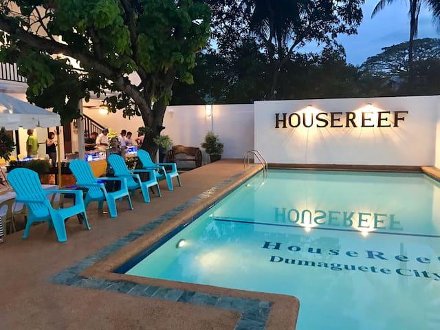 Housereef Dumaguete Dive Hostel