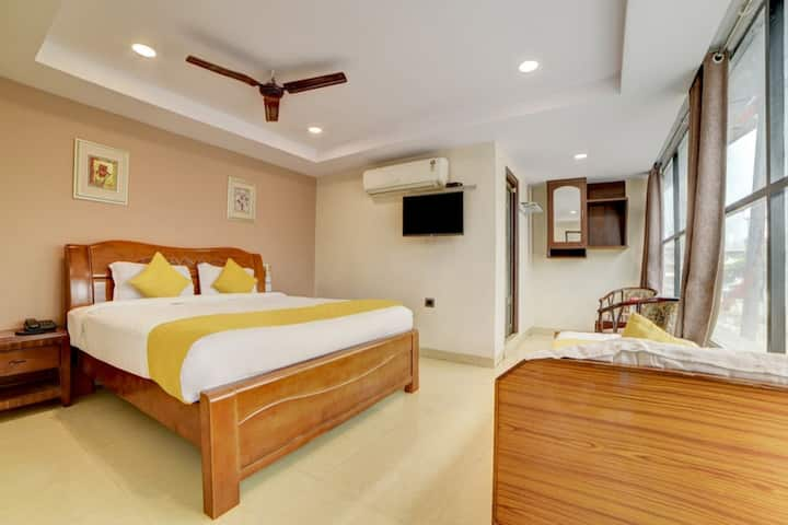 Pvt Modern Room in Telangana near metro station.