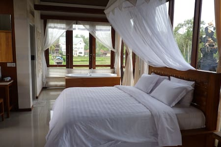 Fancy room in the ricefield 2