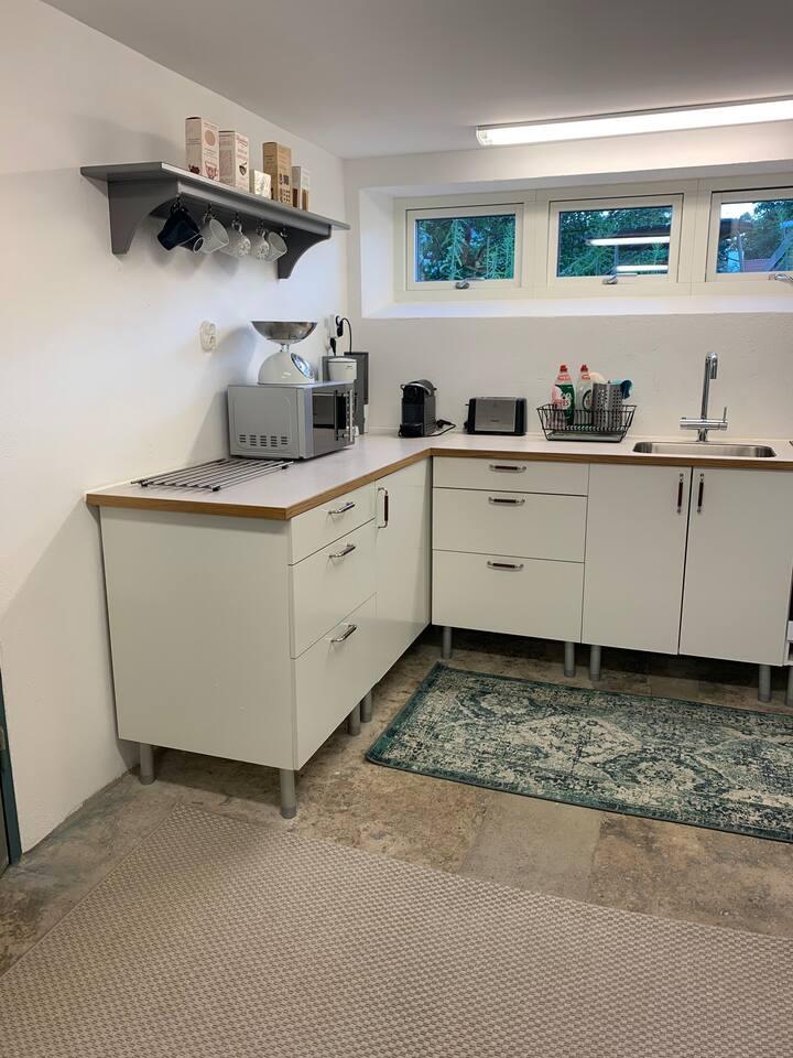 Separat lägenhet på källarplan