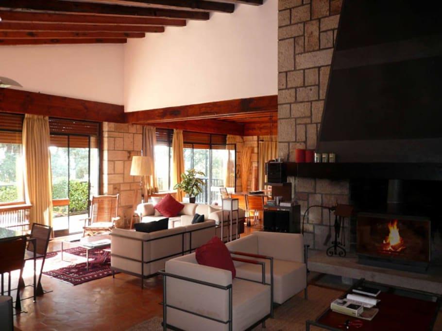 Chalet tradicional jard n y vistas casas en alquiler en for Alquiler casa sierra madrid