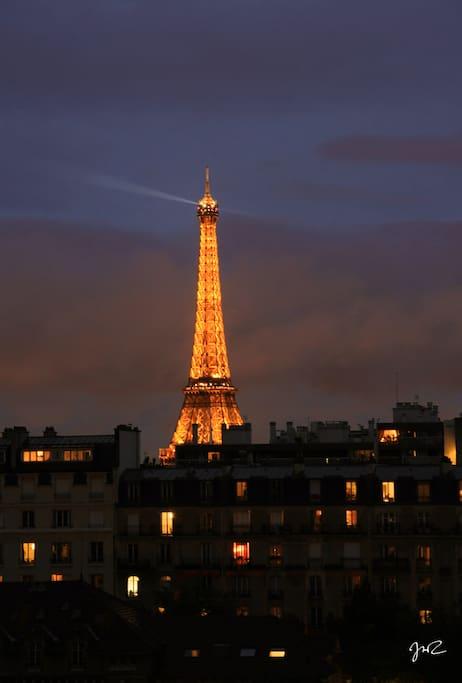 La Tour Eiffel de nuit...