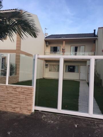 Casa SUPERIOR - Praia Grande - Gov. Celso Ramos/SC