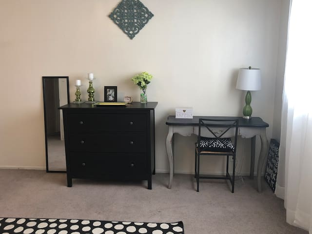 Cozy stay in Studio City area with great host