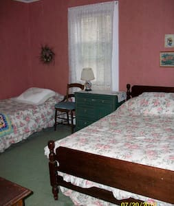 Charming historic B&B - Room #33 - Chautauqua
