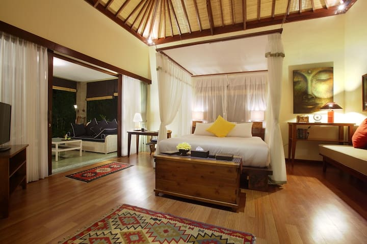 Writer's Suite in a large estate - Bali Indonesia - Maison