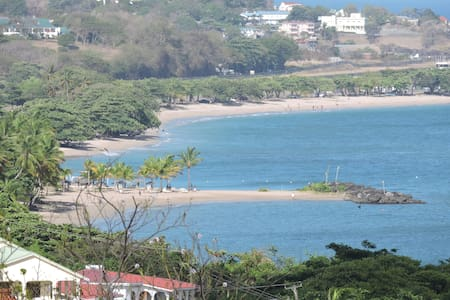 Amazing Beach View Studio Apartment - Castries City - Apartemen