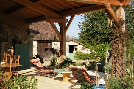 Gite piscine chauffée Couette et Chocolat - Dordogne - Huis