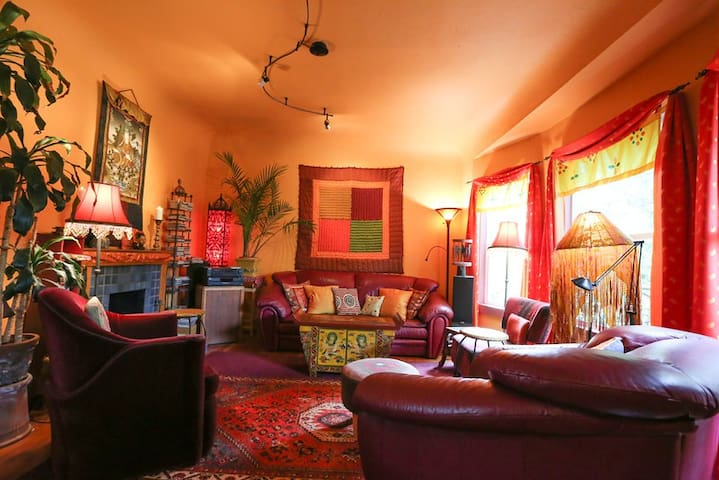 Colorful east bay vintage home - Oakland - Casa