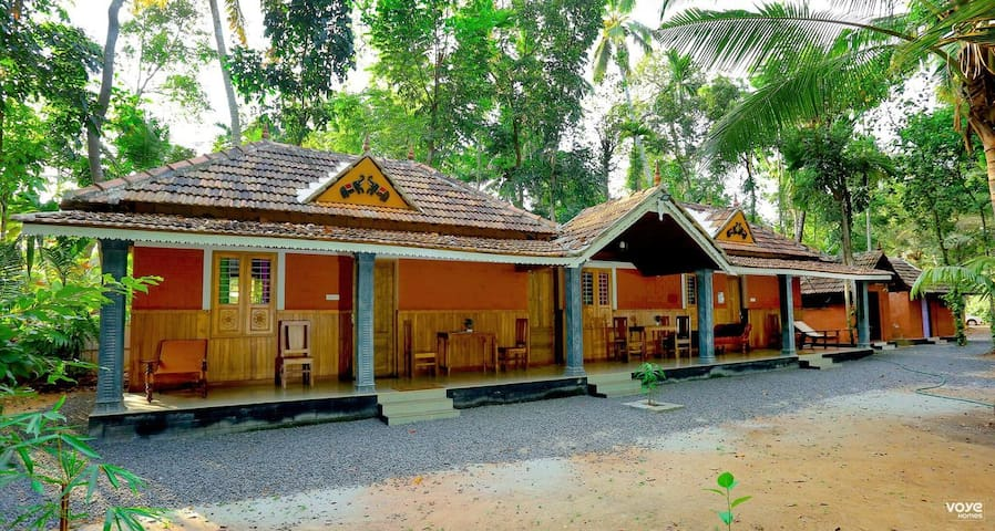 VOYE HOMES Mundro Green Land Heritage Cottage